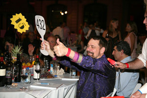 Winning bidder at Winemasters Auction
